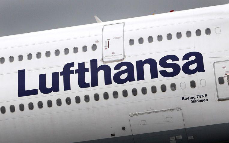 Het cabinepersoneel van het Duitse Lufthansa dreigt met stakingen nadat onderhandelingen over meer loon mislukten.
