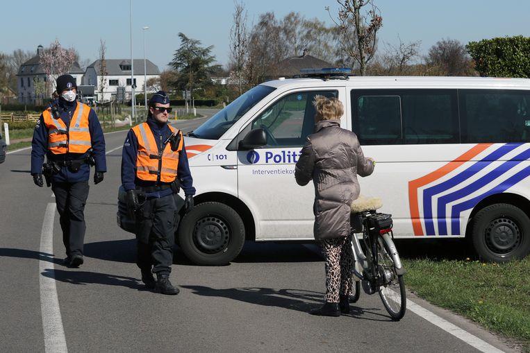 Ook fietsers mogen niet de grens over.