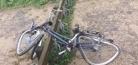 Dubbel pech voor strandwacht: 2 fietsen in 2 weken gestolen en finaal gesloopt