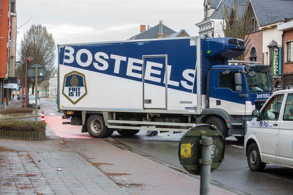 De vrachtwagenchauffeur had volgens een deskundige de fiesster moeten zien en dus ook voorrang moeten verlenen.