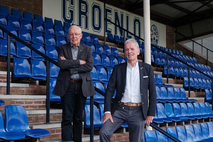 Tonny Porskamp (links) met oud-voorzitter Theo Huijskes van Grol voor het 100-jarige jubileum in 2018.