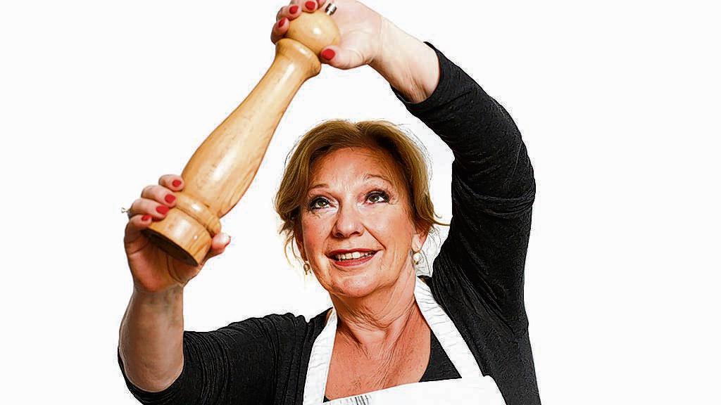 """Kookexpert Janny van der Heijden (62) , AD-columniste en bekend van het programma Heel Holland Bakt, eet gewoon eieren. ,,Ik heb niet eens gekeken of de eieren in mijn keuken een 'foute' code hebben."""""""