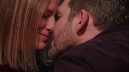 Romantisch moment tussen Benny & Liesbeth leidt tot kus in 'Familie'