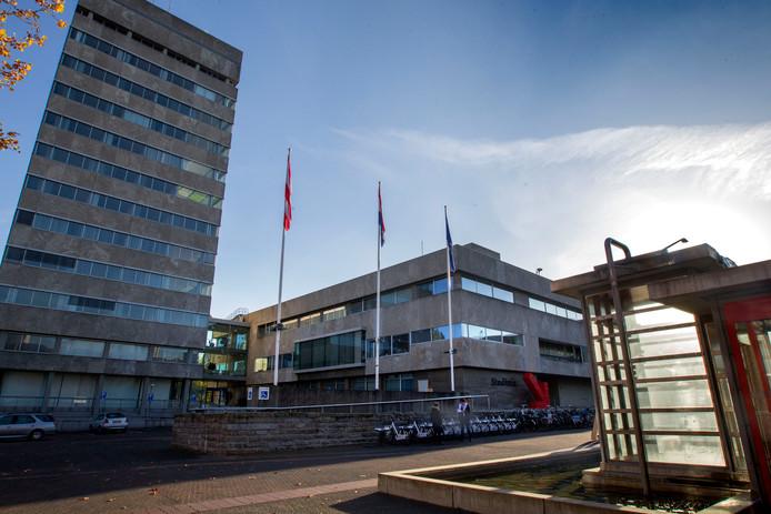 Tijd om puin te ruimen op het Eindhovense stadhuis.