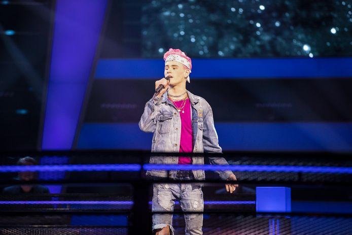 Ziggy zingt tijdens The Voice, maar helemaal van harte ging het niet.