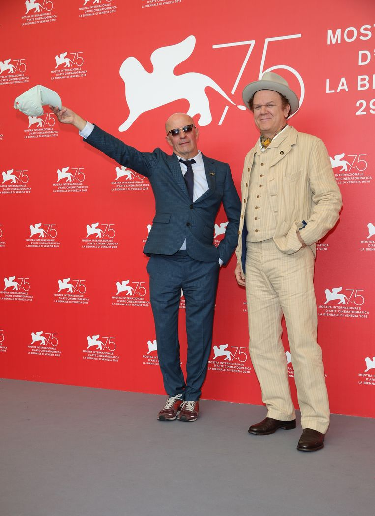 Jacques Audiard en John C. Reilly op 2 september 2018 bij de 75ste editie van het filmfestival van Venetië.  Beeld Getty Images