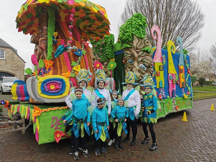 De Knoeiers met hun wagen in Aardenburg.