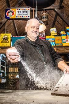 Jan is niet alleen bakker, maar heeft ook een eigen bakkersmuseum
