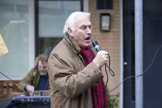 Marco Bakker kwam helemaal uit het Zuid-Limburgse Margraten naar Wierden voor zijn speciale optreden.