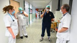 OVERZICHT. Aantal ziekenhuisopnames met coronavirus voorbije week stevig gedaald