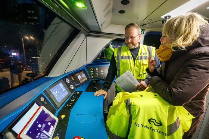 Marjan Rintel, directeur Operatie bij NS, is tevreden over de eerste test op de Hanzelijn.