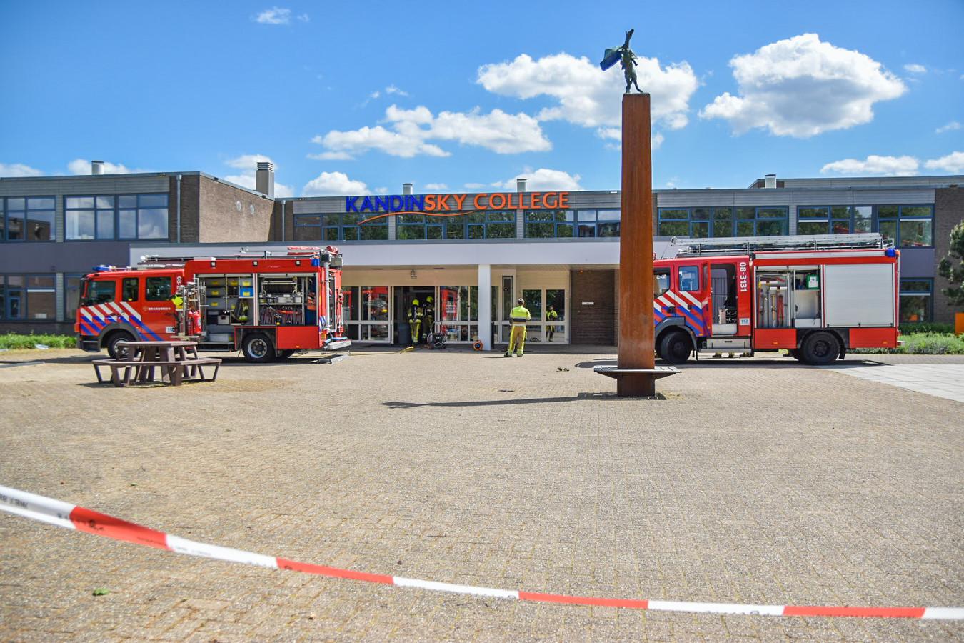 Brandweer bij het Kandinsky College in Nijmegen.
