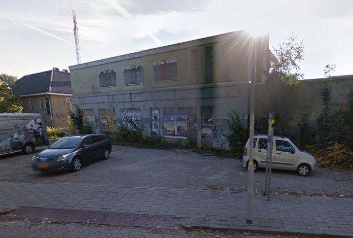 Het verloederde pand aan de Marten van Rossumsingel in Zaltbommel.