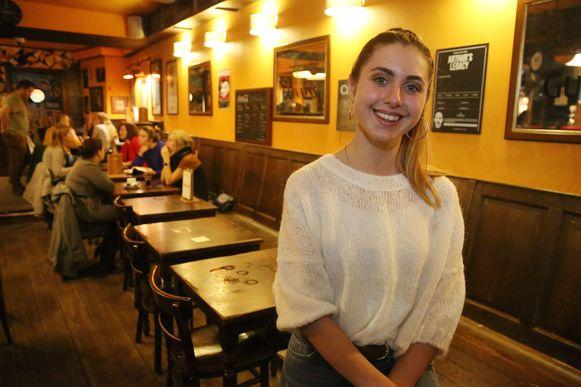 Nina Butera heeft een nieuwe single uit, en die werd voorgesteld in café Blue Note in Halle.