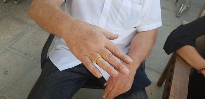 De ring zit wel wat krap.