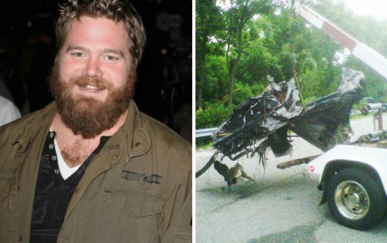 Ryan Dunn en het wrak van zijn Porsche 911 na zijn fatale crash