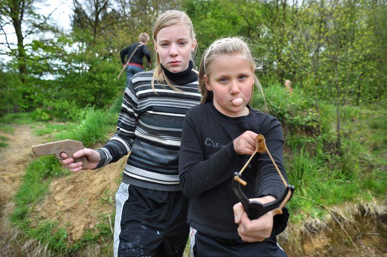 Twee spelende 'boskinderen' in Nijlen Beeld Digital images