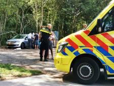 Motorrijder gaat onderuit en klapt tegen auto bij recreatieplas Berendonck bij Wijchen