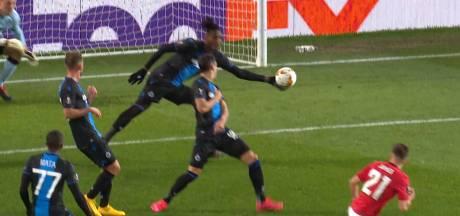 """""""Gardien remplaçant"""", """"l'arrêt de la saison"""": Simon Deli moqué après sa main """"idiote"""""""