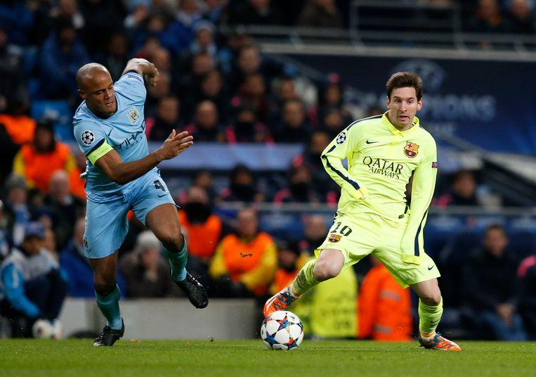 Vincent Kompany probeerde in 2015 Lionel Messi al aan banden te leggen.