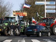 LIVE | Boeren: 'binnen drie kwartier excuses van Rutte, anders gaan we optoeren en gas geven'