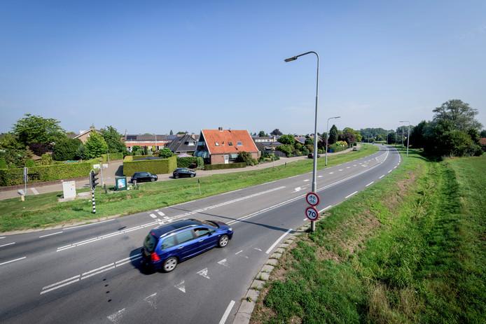 Bewoners aan oude N18-rondweg willen een maximumsnelheid van 50 kilometer.