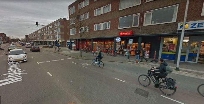 De Kruidvat aan de Molenweg in Nijmegen. Vermoedelijk de drogist die overvallen werd.