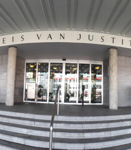 OM: celstraf voor vrouw die aspirant-huurders in Rheden oplichtte