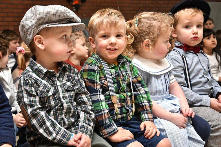 De kindjes waren op hun paasbest gekleed.