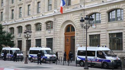 Wat weten we over de dader van de mesaanval in Parijs?