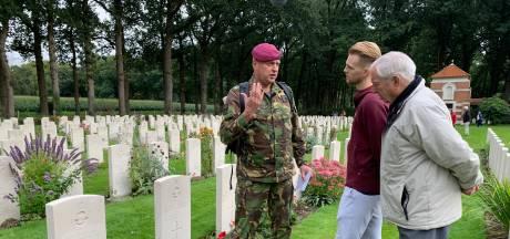 Heftige emoties bij Vitesse-speler Max Clark en zijn opa: oorlog kostte overgrootvader het leven