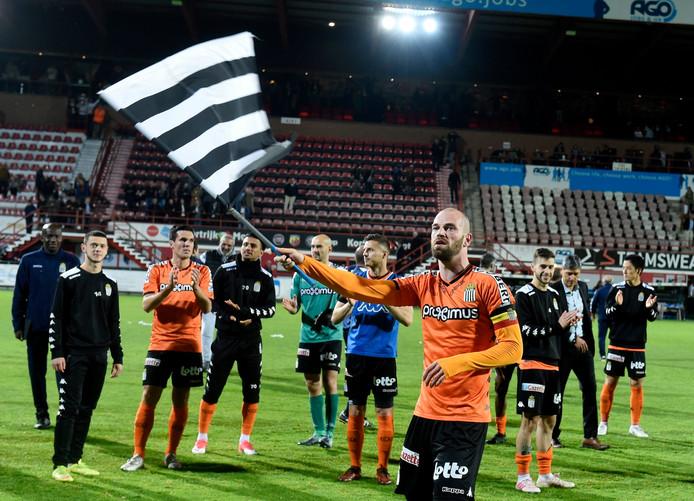 Le Sporting de Charleroi a remporté la finale des play-offs 2 face à Courtrai et peut encore rêver d'Europe.