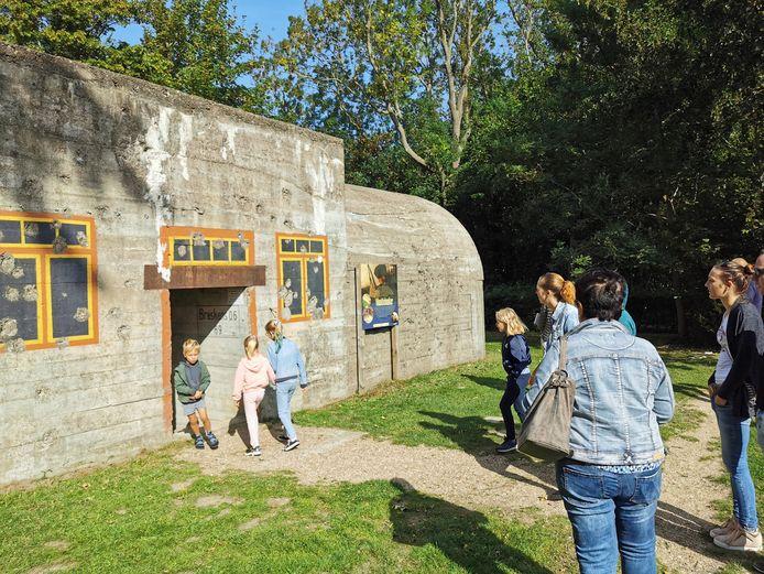 Door de bunkers te beschilderen alsof het huizen waren, dachten de Duitsers iedereen een loer te kunnen draaien.