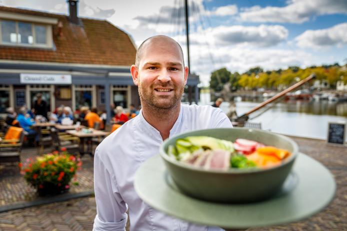 Seb Smit zwaait nu de scepter in de keuken Prins Mauritshuis in Blokzijl.