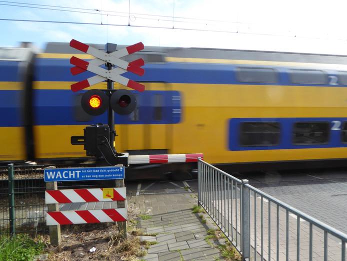 Enige tijd geen treinen tussen Apeldoorn en Amersfoort door aanrijding.