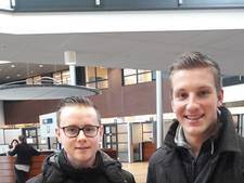 Jongeren snuffelen aan Moerdijkse gemeentepolitiek