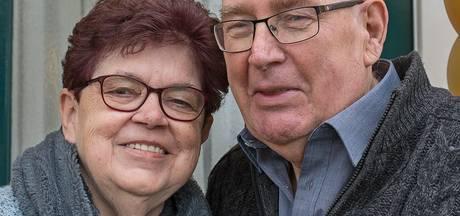 Gouden huwelijk voor Petjesbar-echtpaar Herman en Riek Voet
