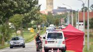 Twee mannen kritiek na steekpartij bij autohandelaar, één slachtoffer 1 kilometer verderop aangetroffen