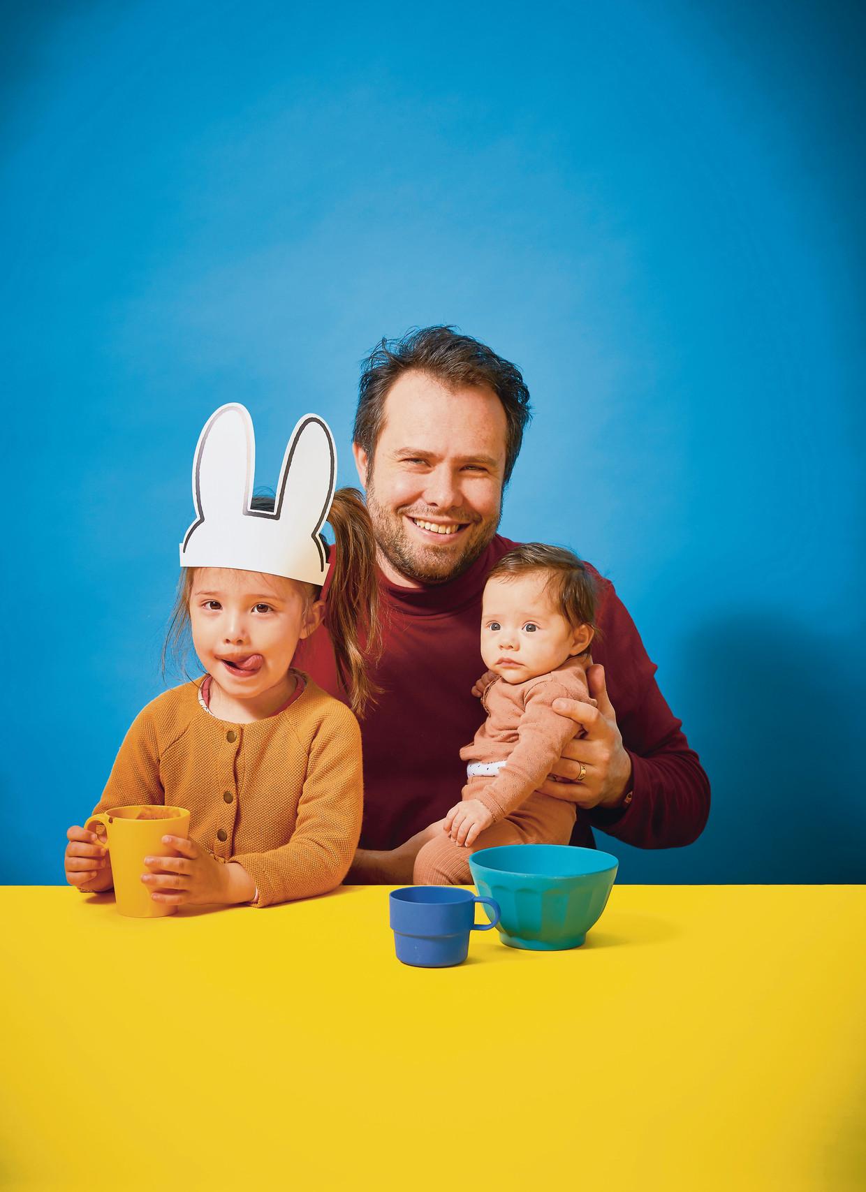 Samuel Levie met zijn kinderen.