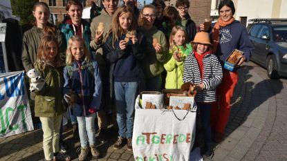 Jongeren verkopen platgereden dieren (in koekjesvorm)