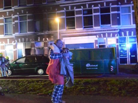 Bovenbuurman Dennis probeerde kleuters uit brandend huis te redden: 'Ik probeerde alles, het was afschuwelijk'