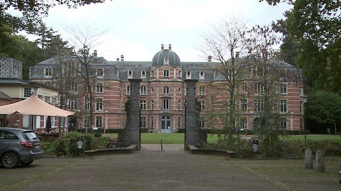 Kasteel Ravenhof, waaruit de slagtanden werden gestolen