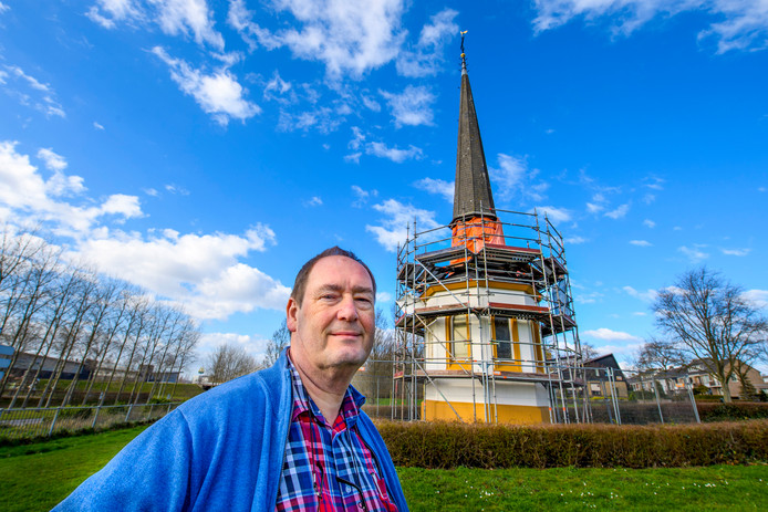 Volgens Frans van den Berg is er extra geld nodig om de Sint Gertrudiskapel op te knappen. ,,Veel Bergenaren komen hier nog een kaarsje opsteken.''