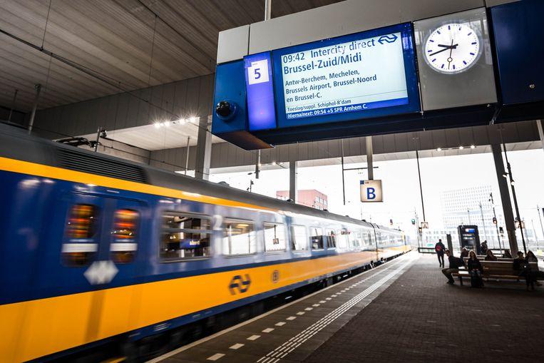 De IC-trein van Amsterdam naar Brussel.