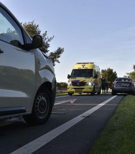 Vertraging door ongeluk op N36 bij afrit Westerhaar, een persoon gewond