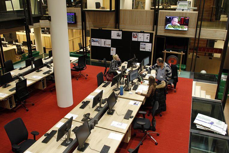 Werkplekken van de redactie van NRC Media in een pand aan het Amsterdamse Rokin. Beeld ANP