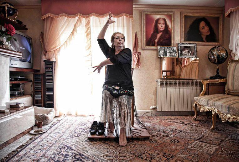 Een vrouw als La Chana met zo'n karakter en zo'n verleden is goud voor elke documentairemaker. Beeld RV
