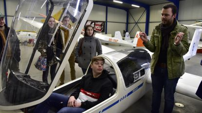 Leerlingen GO! Atheneum Geraardsbergen ondergedompeld in de wereld van de luchtvaart