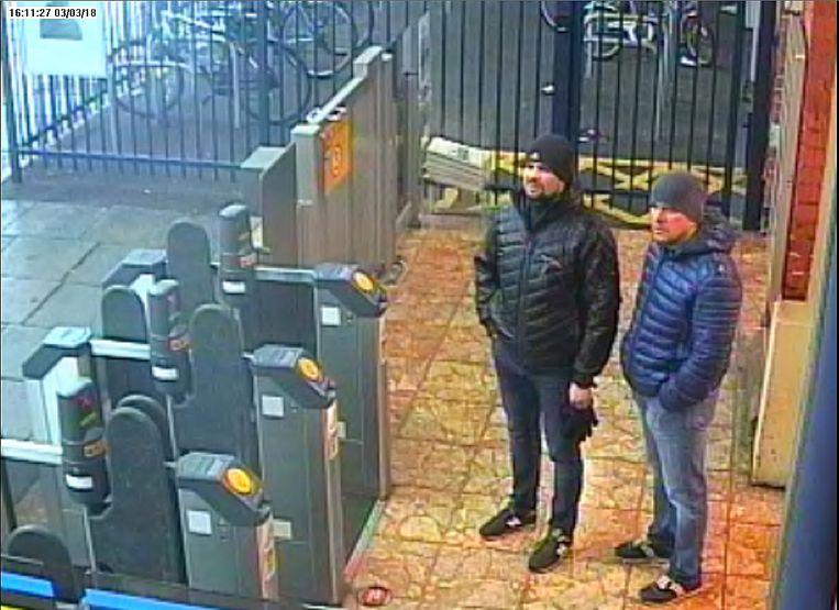 Petrov en Boshirov werden gefilmd door bewakingsbeelden aan het station van Salisbury.