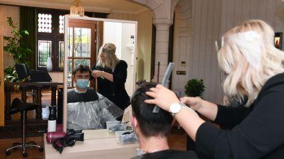 Bierbeeks burgemeester krijgt eerste knipbeurt in nieuwe pop-up Franks Atelier